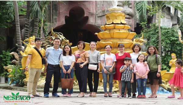 Nesfaco thăm trẻ em mồ côi tại chùa Kỳ Quang